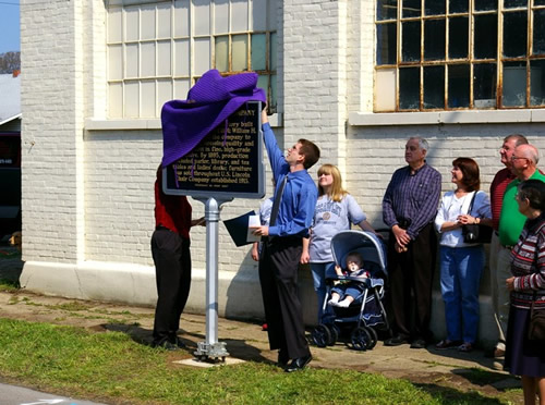 Unveiling the marker (photo courtesy of Rhonda Bolner, the marker applicant).