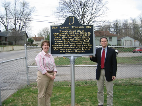 Robin Davis Sekula and David Barksdale, President of the Floyd County Historical Society and County Historian, with the marker.
