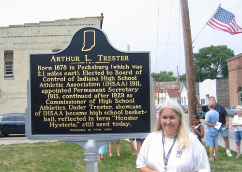 Donna Watson, member of Amo's Town Council, helped with arrangements for the marker's installation.