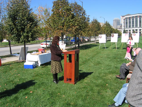 Jeanne Sheets of the Indiana Historical Society offers congratulations to all those involved in the marker process.