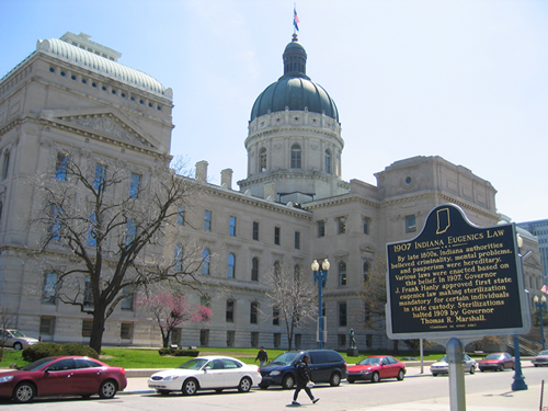 The installed marker with the Statehouse in the background.